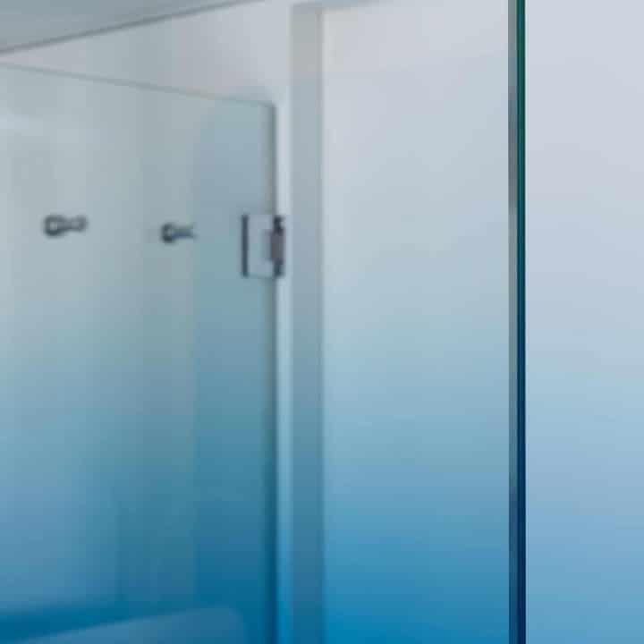 Paroi de douche en verre dégradé