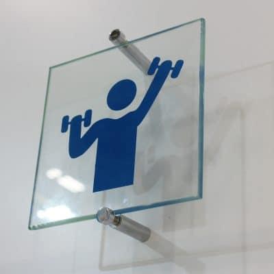 Signalétique en verre salle de sport