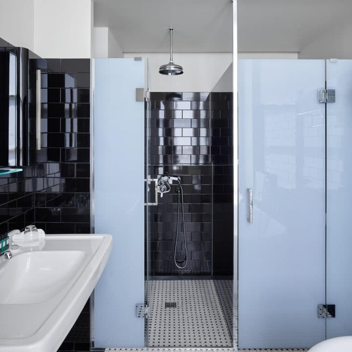 Porte de douche en verre opaque